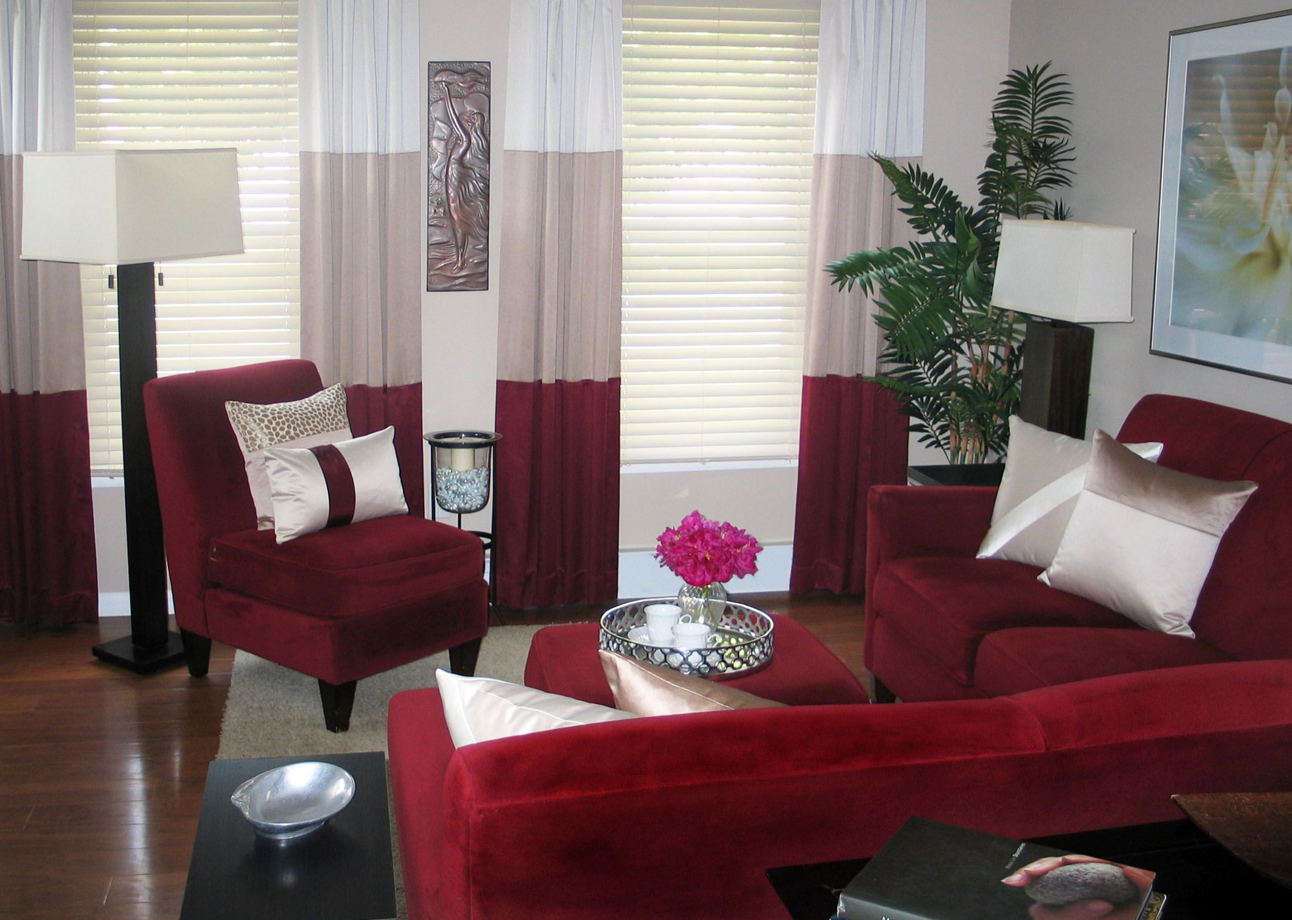 contemporary-living-room-curtains-2